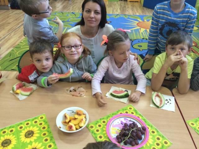 Poznajemy Warzywa I Owoce Przedszkole Spsk W Piotrkowie
